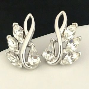 Vintage Earrings Signed Trifari Silver Crystals 4C